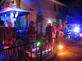 Halloween displays 2018