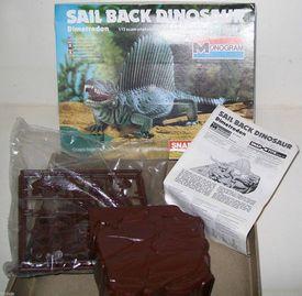 Monogram sailback contents